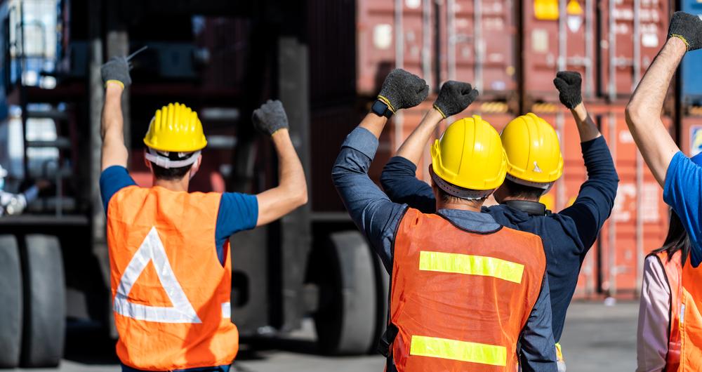HMMの船員がストを実施か!?労働環境や船員不足の背景を説明します。